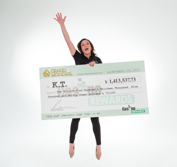 woman winning big cheque jackpot payout